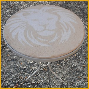 table-lion-deco-facile-a-poser-dans-le-tarn